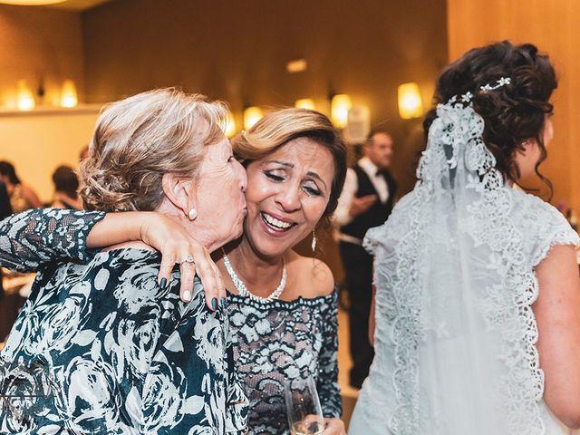 La boda de Leo y Hena en Villanueva De La Serena, Badajoz 45