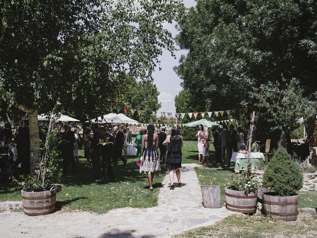 La boda de Rory y Silvia en Requijada, Segovia 81