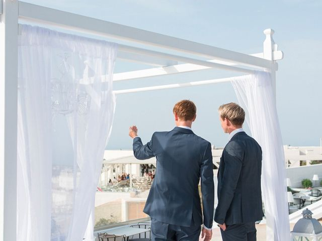 La boda de Daniel  (Grecia) y Nico en Zaragoza, Zaragoza 43