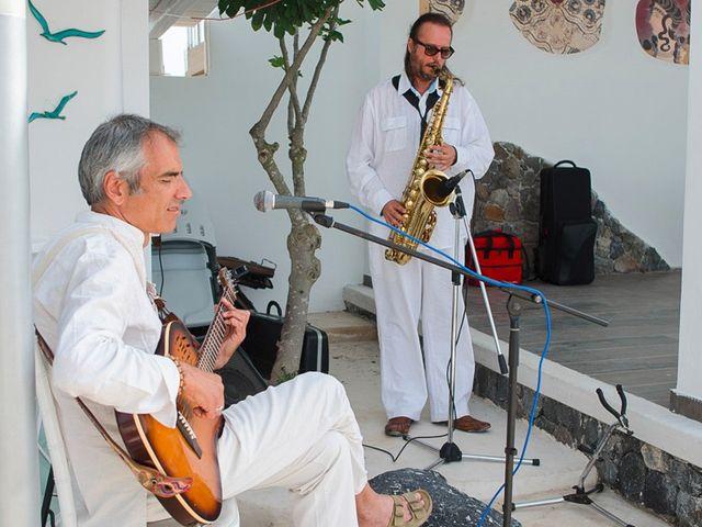 La boda de Daniel  (Grecia) y Nico en Zaragoza, Zaragoza 46