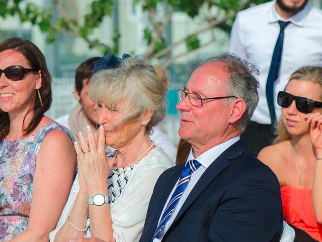 La boda de Daniel  (Grecia) y Nico en Zaragoza, Zaragoza 53