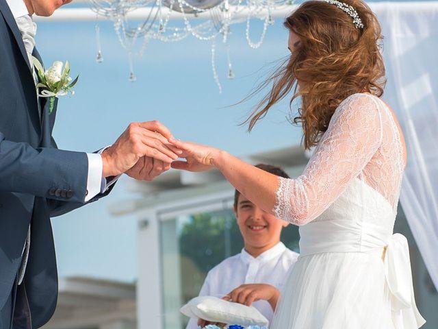 La boda de Daniel  (Grecia) y Nico en Zaragoza, Zaragoza 59