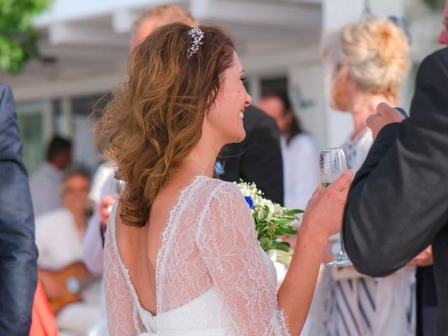 La boda de Daniel  (Grecia) y Nico en Zaragoza, Zaragoza 74