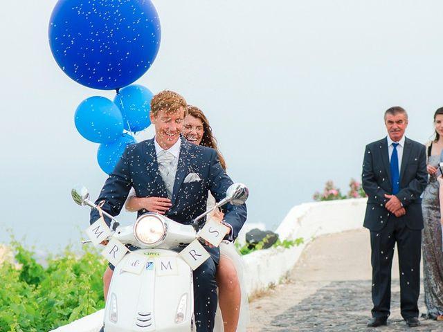 La boda de Daniel  (Grecia) y Nico en Zaragoza, Zaragoza 85