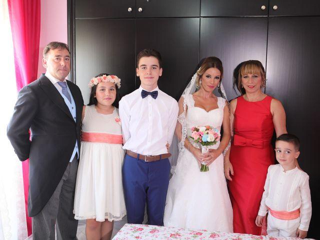 La boda de Fran y África en Málaga, Málaga 23