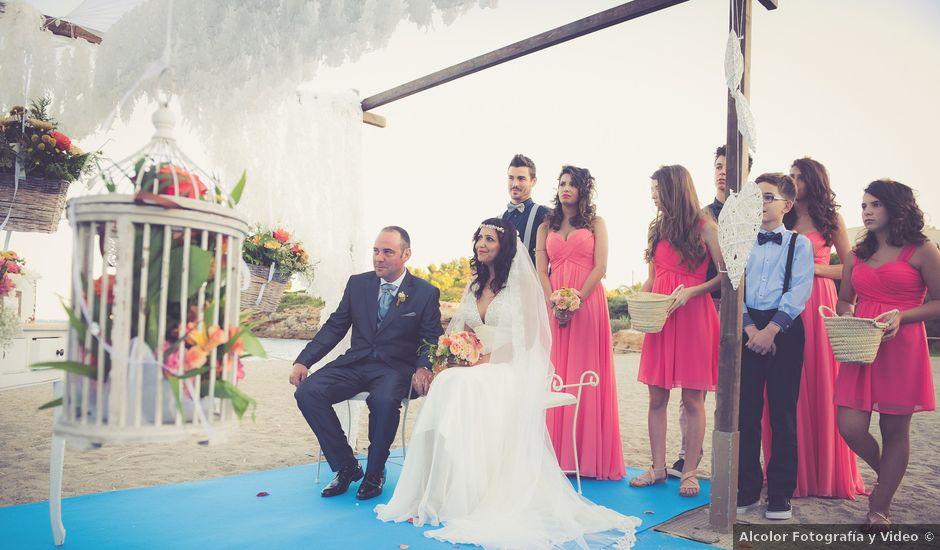 La boda de Juan Carlos y Carolina en L' Ametlla De Mar, Tarragona