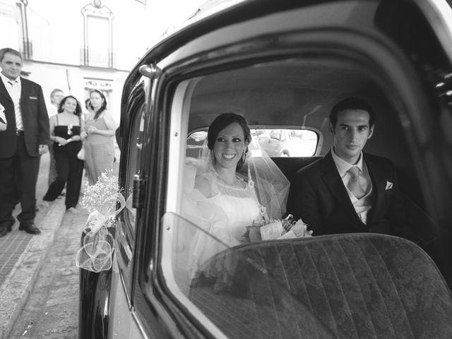 La boda de José Manuel y Mari Carmen en Lora Del Rio, Sevilla 12