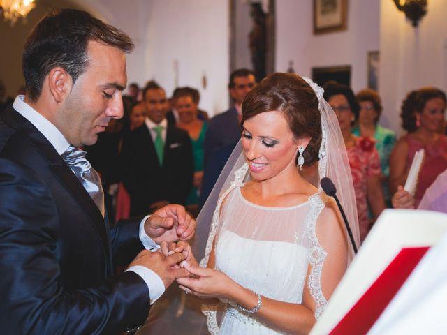 La boda de José Manuel y Mari Carmen en Lora Del Rio, Sevilla 15