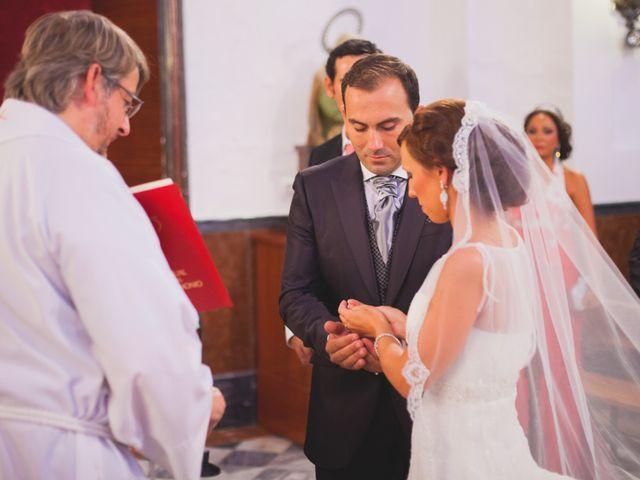 La boda de José Manuel y Mari Carmen en Lora Del Rio, Sevilla 16
