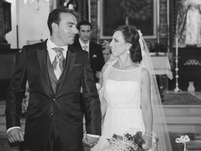 La boda de José Manuel y Mari Carmen en Lora Del Rio, Sevilla 18