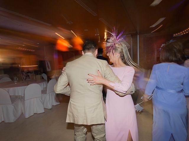 La boda de Alejandro y Claudia en Avilés, Asturias 45