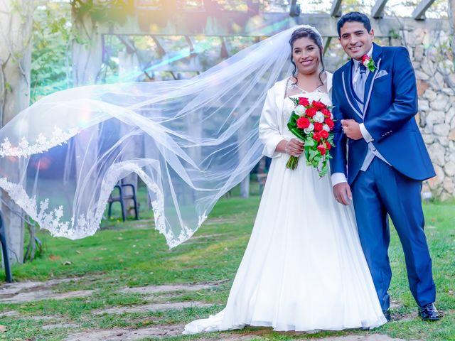 La boda de Juan Carlos y Irma en Montcada I Reixac, Barcelona 1