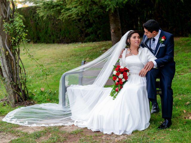 La boda de Juan Carlos y Irma en Montcada I Reixac, Barcelona 28