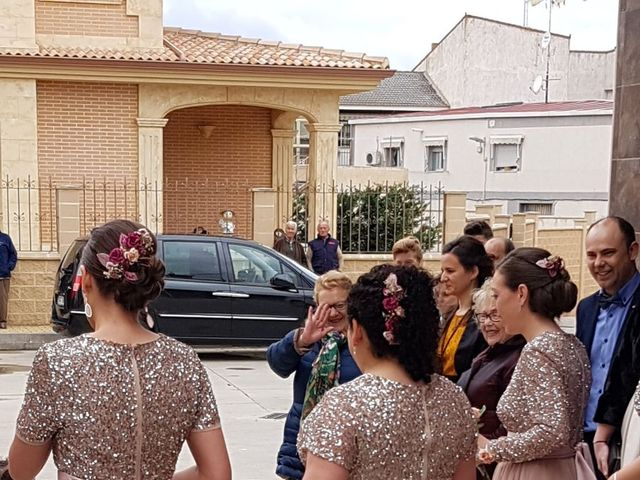 La boda de Víctor  y Azucena  en Villabuena Del Puente, Zamora 4