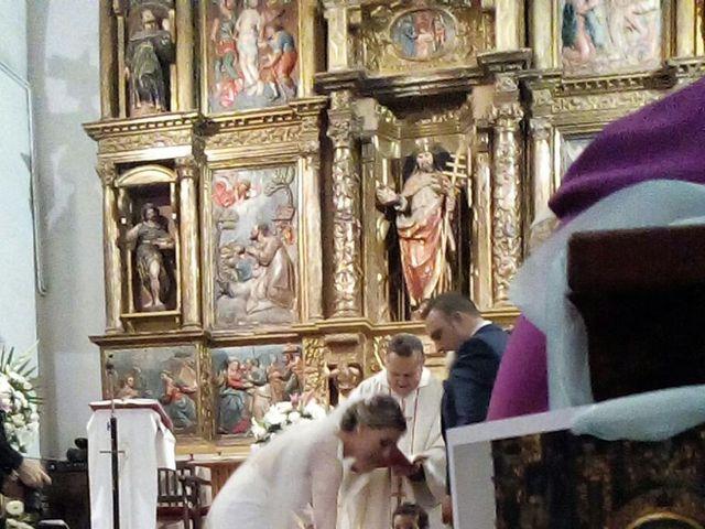La boda de Víctor  y Azucena  en Villabuena Del Puente, Zamora 10