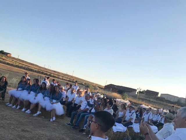 La boda de Isa y Tamara en Ferreruela De Huerva, Teruel 3