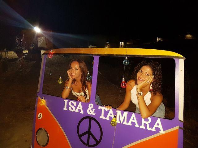 La boda de Isa y Tamara en Ferreruela De Huerva, Teruel 4