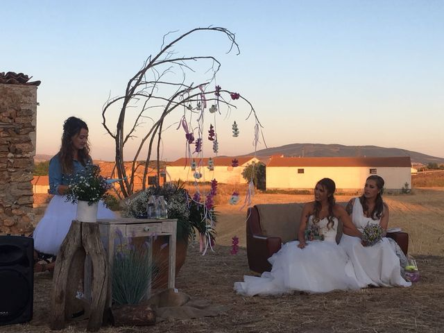 La boda de Isa y Tamara en Ferreruela De Huerva, Teruel 1