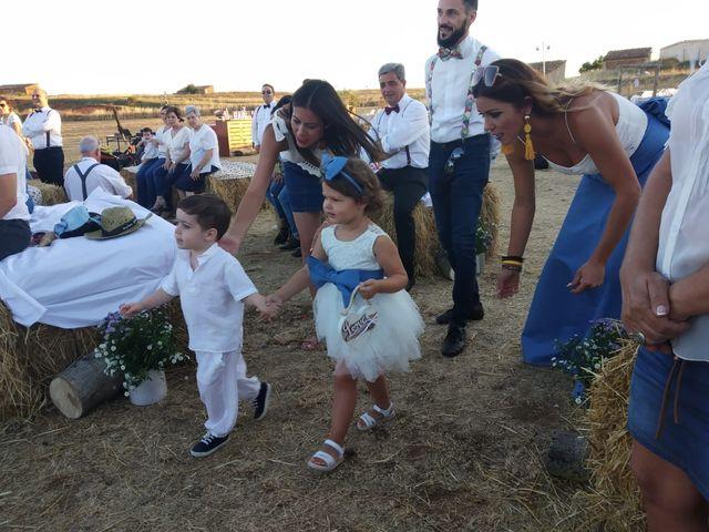 La boda de Isa y Tamara en Ferreruela De Huerva, Teruel 6