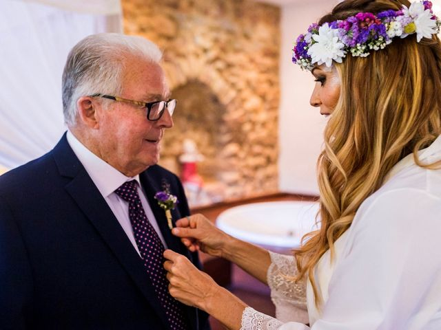 La boda de Álvaro y Geno  en Castellnovo, Castellón 6