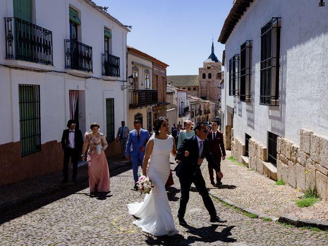 La boda de Tomas y Leticia en Bolaños De Calatrava, Ciudad Real 34