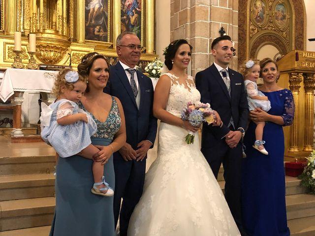 La boda de Pedro y Vicky en Villanueva De La Serena, Badajoz 9
