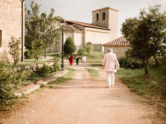 La boda de César y Clau en Villalibado, Burgos 13