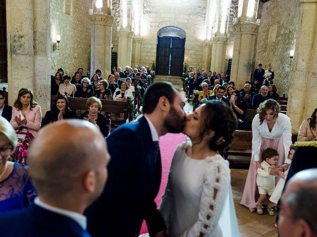 La boda de Elena y Julian en Carrion De Calatrava, Ciudad Real 33