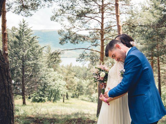 La boda de Carlos y Adriana en Rascafria, Madrid 10