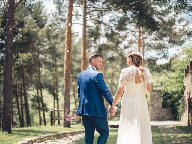 La boda de Carlos y Adriana en Rascafria, Madrid 15