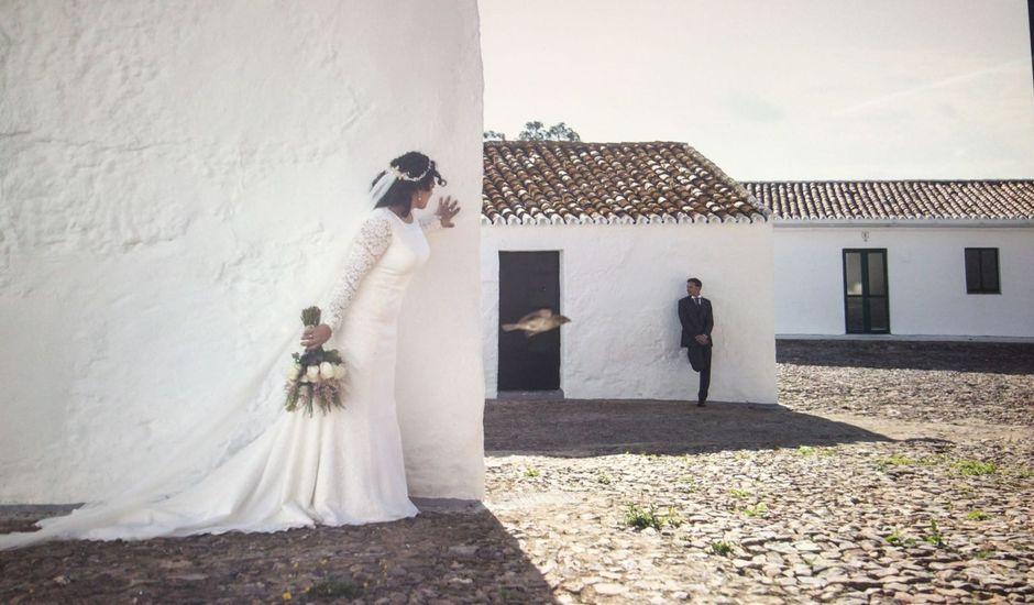 La boda de Juan  Miguel  y Beatriz  en Huelva, Huelva