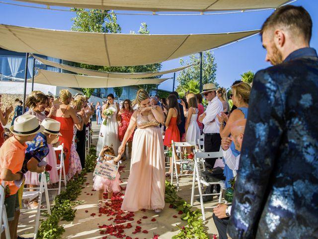 La boda de Andreu y Laura en Sant Cugat Sesgarrigues, Barcelona 23