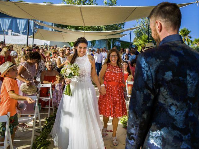 La boda de Andreu y Laura en Sant Cugat Sesgarrigues, Barcelona 25