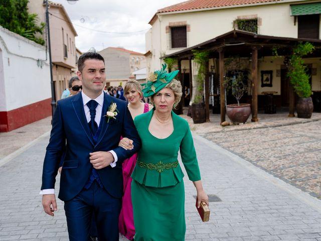 La boda de Jose y Mª Carmen en Bolaños De Calatrava, Ciudad Real 23