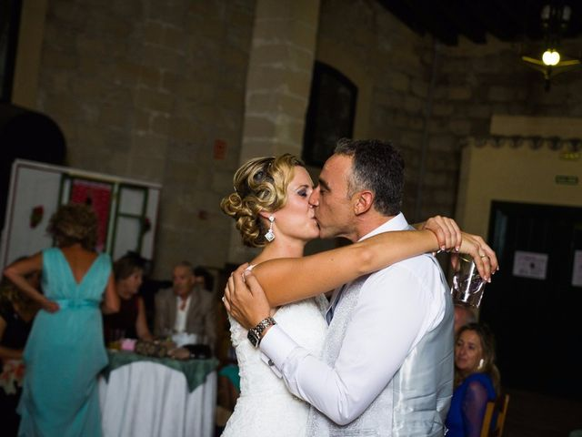 La boda de Eduardo  y Beatriz en Jerez De La Frontera, Cádiz 29