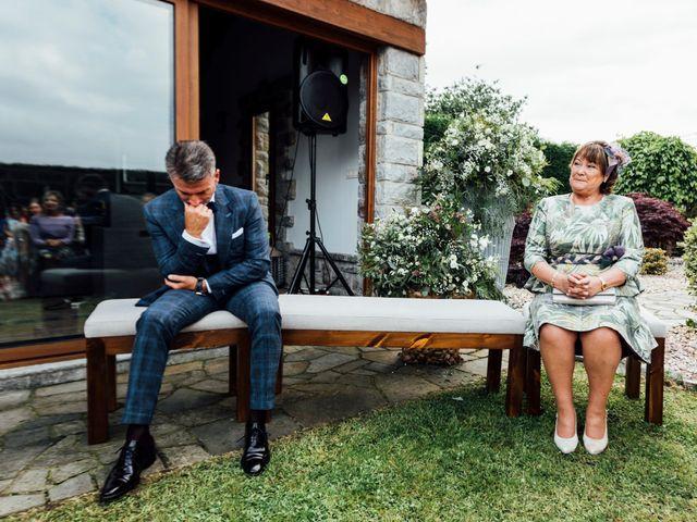 La boda de Pedro y Olaya en Salinas, Asturias 24