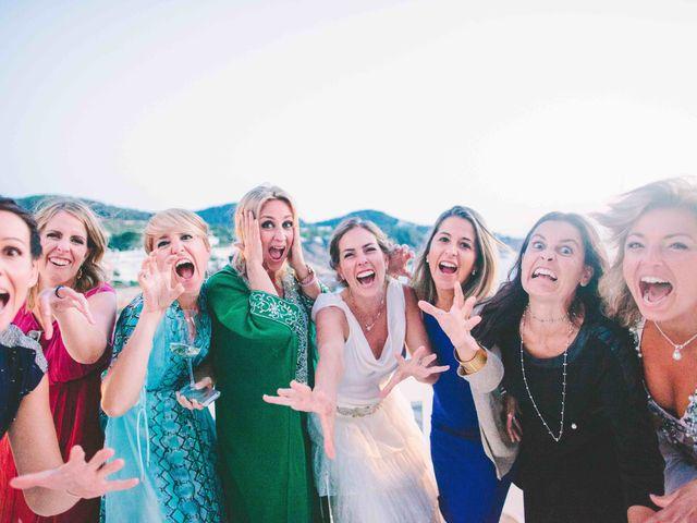 La boda de Agus y Raquel en Cala Tarida, Islas Baleares 19