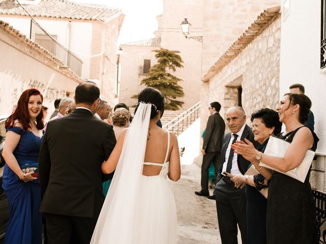 La boda de Ainhoa y Carlos en Villamayor De Santiago, Cuenca 28