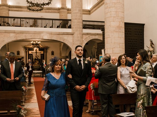 La boda de Ainhoa y Carlos en Villamayor De Santiago, Cuenca 29