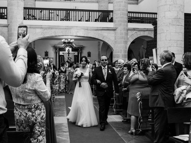 La boda de Ainhoa y Carlos en Villamayor De Santiago, Cuenca 30