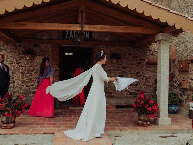 La boda de María y Luis Alberto en Villar De Los Alamos, Salamanca 73