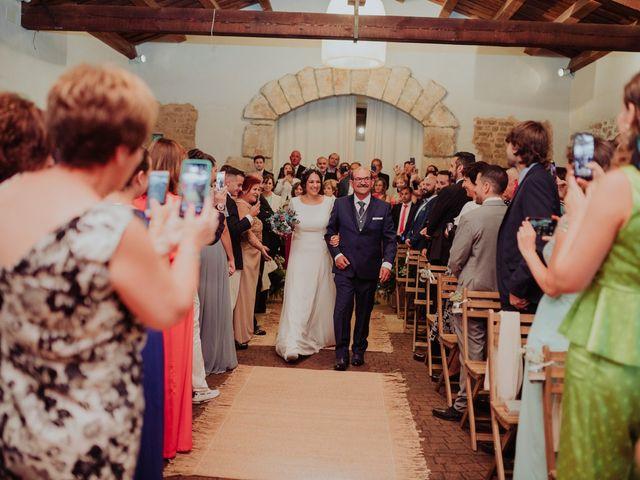 La boda de María y Luis Alberto en Villar De Los Alamos, Salamanca 80