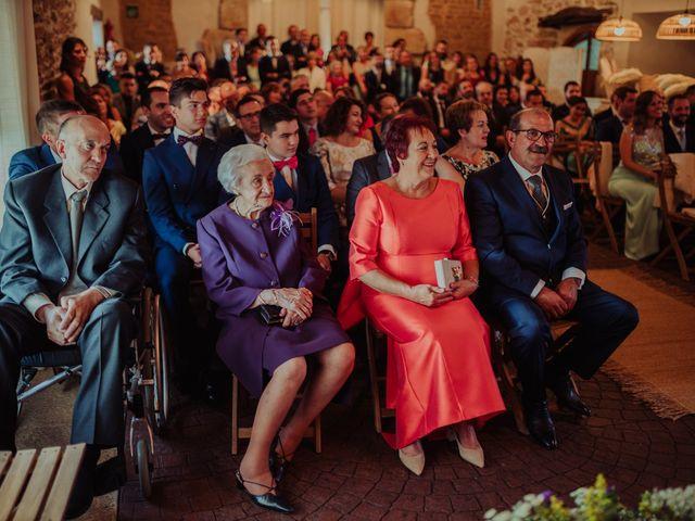 La boda de María y Luis Alberto en Villar De Los Alamos, Salamanca 84