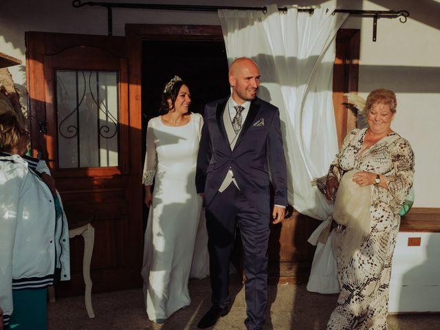 La boda de María y Luis Alberto en Villar De Los Alamos, Salamanca 91