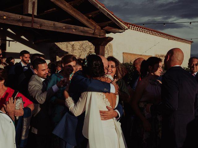 La boda de María y Luis Alberto en Villar De Los Alamos, Salamanca 92