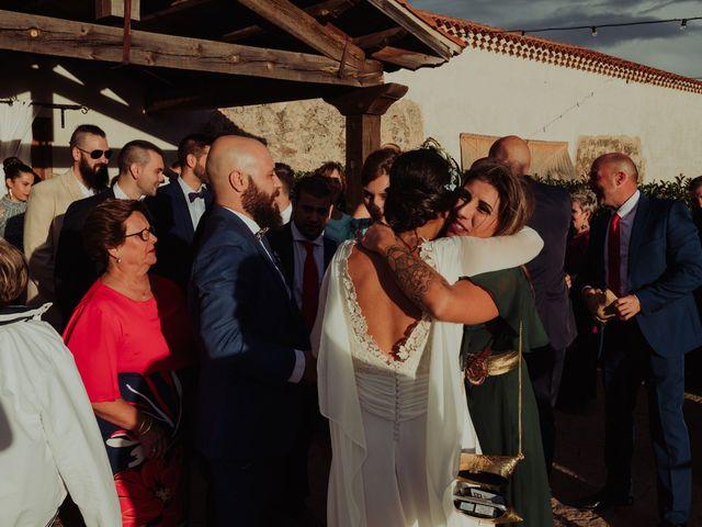 La boda de María y Luis Alberto en Villar De Los Alamos, Salamanca 93