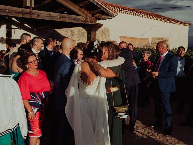 La boda de María y Luis Alberto en Villar De Los Alamos, Salamanca 94