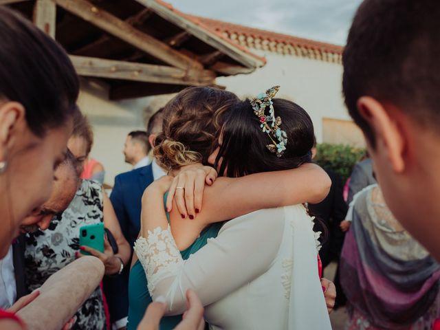 La boda de María y Luis Alberto en Villar De Los Alamos, Salamanca 98