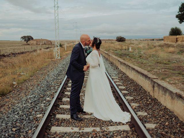 La boda de María y Luis Alberto en Villar De Los Alamos, Salamanca 106