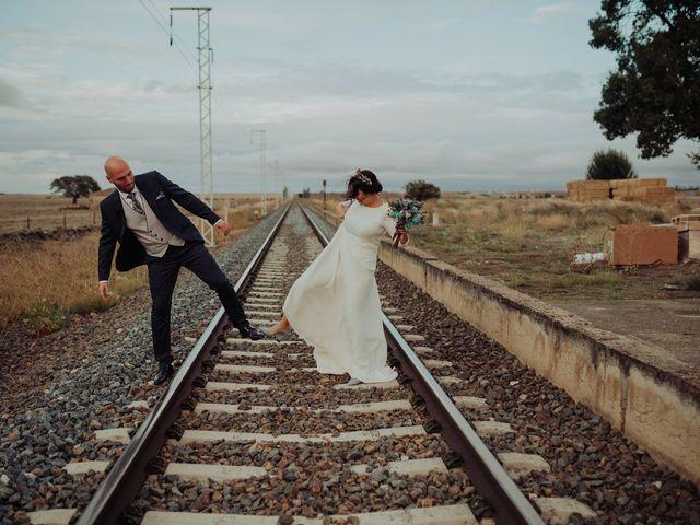 La boda de María y Luis Alberto en Villar De Los Alamos, Salamanca 108